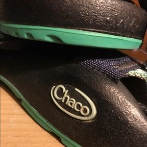 Size 6 teal Chaco